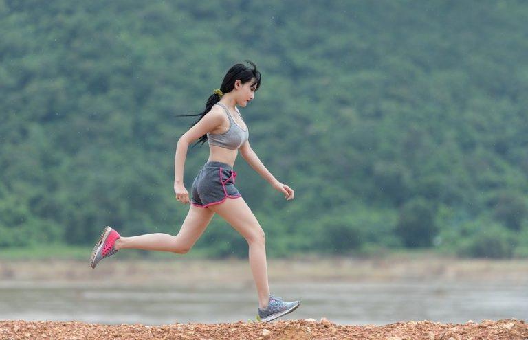 running-woman-green