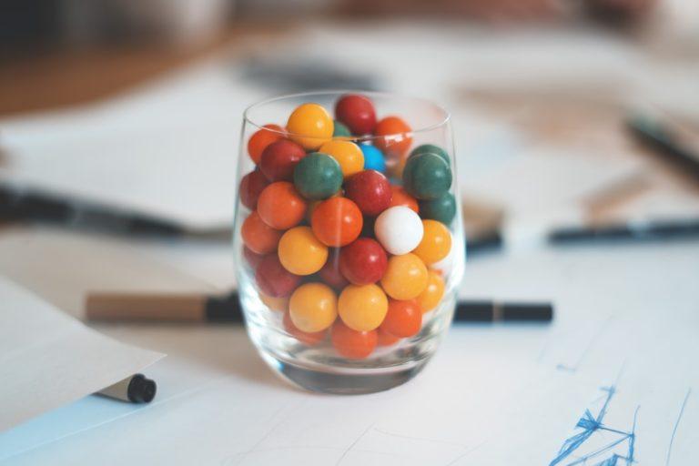 gum-chocolate-ball